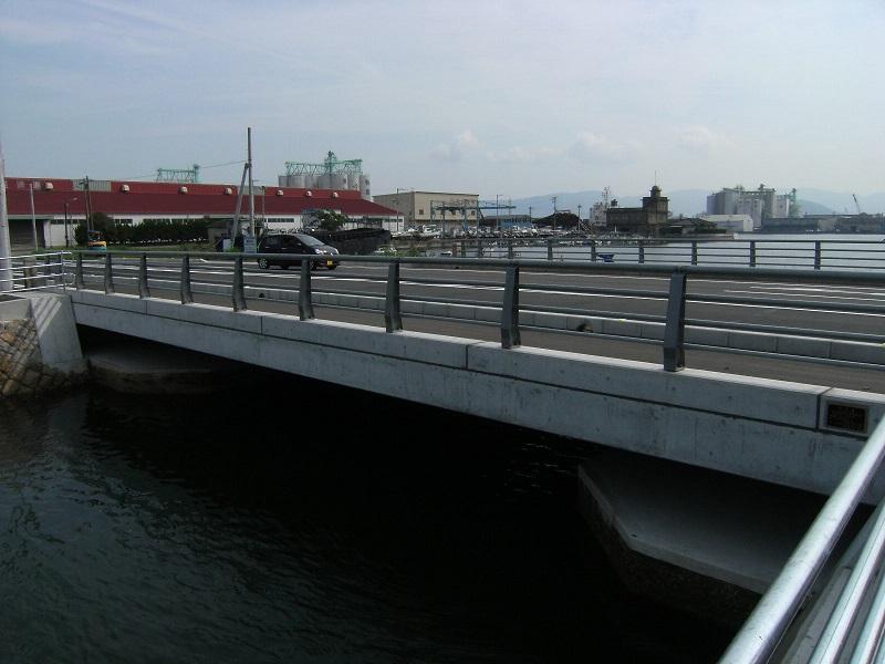 築地橋完成