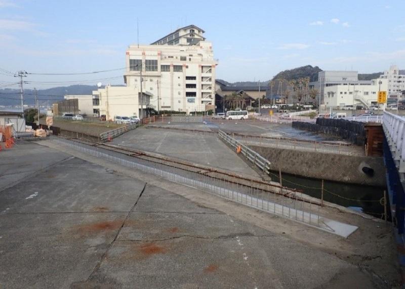 港橋施工前