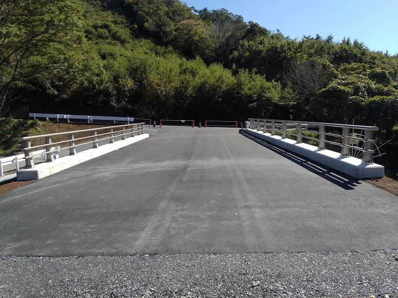 谷田川橋梁完成