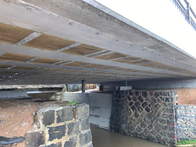 落合橋1期施工桁下面