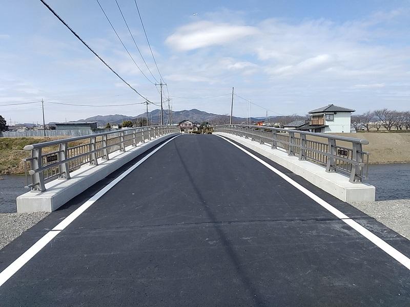 吾妻橋完成