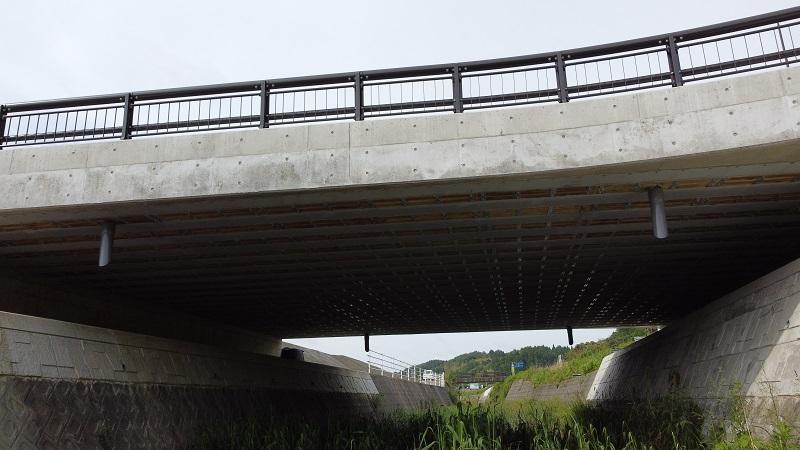 加賀熊坂橋桁下面状況